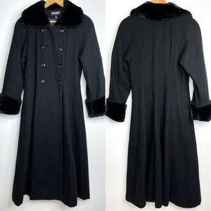 VTG Donnybrook Long Black Faux Fur Trim Coat